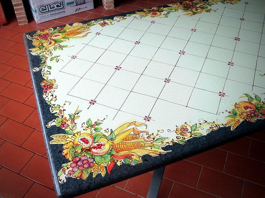 Tavoli Da Giardino Ceramica Caltagirone.Tavoli Da Giardino Pietra Lavica Tavoli In Pietra Lavica Smaltati
