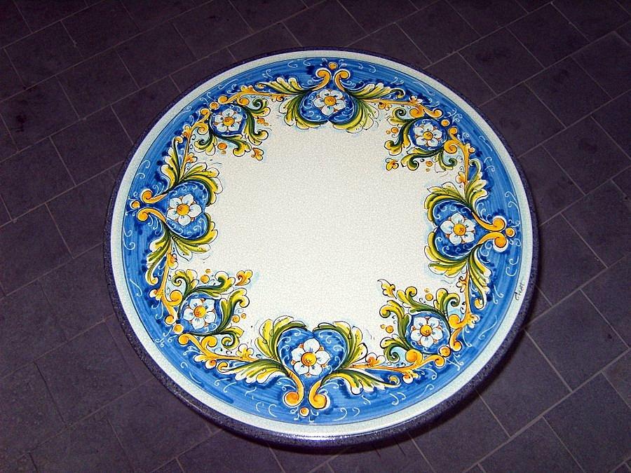 Tavoli Da Giardino Ceramica Caltagirone.Tavoli In Pietra Lavica Smaltati Creart Ceramiche