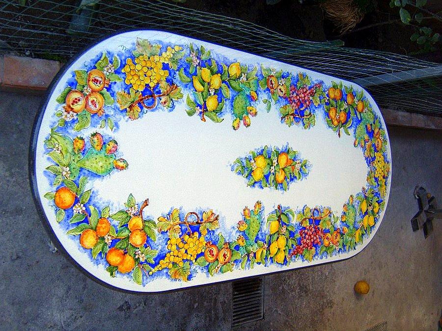 Tavoli in Pietra Lavica Smaltati | CreArt Ceramiche