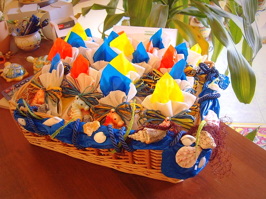 Bomboniere in ceramica decorate a mano creart ceramiche